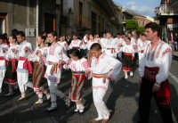 Festival del Folclore Giovanile 2004 organizzato dall'Ass. Leoni reali  - Camporotondo etneo (2185 clic)
