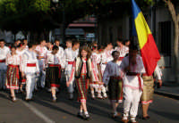 Festival del Folclore Giovanile 2004 Organizzato dall'Ass. leoni Reali Gruppo Sbandieratori e Musici di Camporotondo  - Camporotondo etneo (2051 clic)