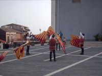 Momenti  dell'esibizione degli Sbandieratori Leoni Reali di Camporotondo Etneo (CT).  - Belpasso (1648 clic)