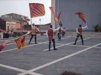Momenti  dell'esibizione degli Sbandieratori Leoni Reali di Camporotondo Etneo (CT)  - Belpasso (1742 clic)