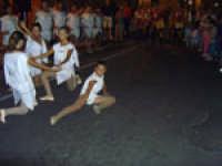 Balletto Medievale. Festa del Ducato 2005 gruppo Sbandieratori e Musici Leoni Reali Camporotondo Etneo.   - Camporotondo etneo (2235 clic)