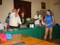 Castelbuono (PA) 1 Ottobre 2006 - Trofeo Regionale Minivolley - Palazzo del Comune-cerimonia di premiazione a Lorena Fiumetto della Pol. Castellammare un riconoscimento quale migliore atleta del torneo.  - Castelbuono (3028 clic)