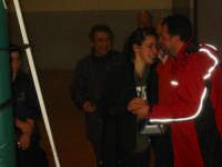 Triangolare volley femminile - 04-aprile-2007 Agostino Tagliavia premia Eleonora Rocca (Pol. Castellammare)  - Buseto palizzolo (4454 clic)