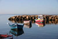 Piccole barche di pescatori nel porticciolo in una splendida giornata autunnale  - Marsala (2446 clic)