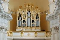 Organo della chiesa di San Carlo -Noto, 30.9.2006  - Noto (2022 clic)