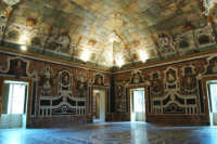 Salone degli specchi di villa Palagonia -Bagheria, 7.9.2006   - Bagheria (3149 clic)