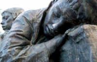 Poor boys -Palermo, 7.5.2006 Piazza castelnuovo al Politeama  - Palermo (1558 clic)