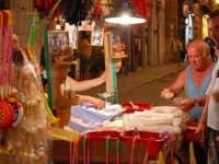 Bancarella di dolci -Palermo, 15.7.2006 PALERMO Rino Porrovecchio