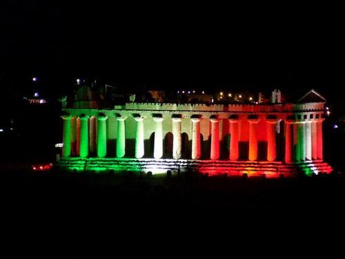 Tempio della Concordia tricolore per i 150 anni dell'unita' d'Italia - AGRIGENTO - inserita il 04-Jan-11