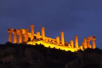 incantevole valle dei templi alla sera : Tempio di Giunone   - Agrigento (2439 clic)