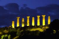 incantevole valle dei templi alla sera:tempio di ercole  - Agrigento (2159 clic)