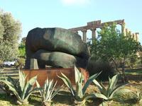 Valle dei Templi e statue di Mitoraj   - Agrigento (2233 clic)