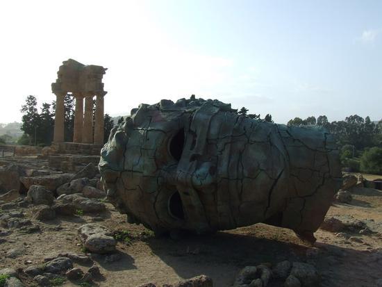 Valle dei Templi e Statue di Mitoraj - AGRIGENTO - inserita il 15-Apr-11