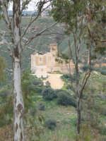 Castello di Poggiodiana. Sorge su un colle a 200 metri di altezza a quattro Km da Ribera;.Nel 1392 il castello fu concesso da Federico II al conte Guglielmo Peralta, signore di Caltabellotta.    - Ribera (4110 clic)