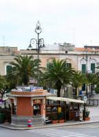 Piazza di Ispica piccolo chiosco punto di ritrovo storico della città.  - Ispica (2868 clic)