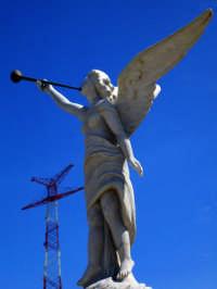 Piazzetta dell'Angelo  - Torre faro (3815 clic)