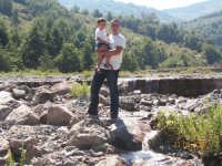 David e Gio' al delta del torrente Patrì  - Fondachelli fantina (6408 clic)