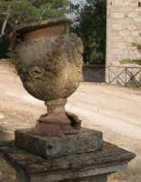 CADUTA VASI DI CALTAGIRONE!  Vaso di ottima fattura calatina destinato ad essere ridotto in frantum