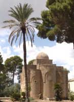 Chiesa di origine Normanna, appartenente alla famiglia Saporito, località Delia Castelvetrano.  - Castelvetrano (10967 clic)