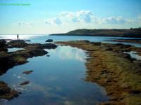 Foto presso la località Faro S.Croce di Augusta, questo posto viene chiamato dalla gente del posto Le Vasche.   - Augusta (4427 clic)