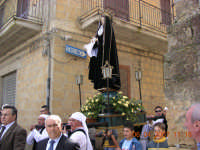 La statua dell' Addolorata passa di chiesa in chiesa alla ricerca di Gesu'  - Mazzarino (5205 clic)