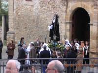 La statua dell' Addolorata all'uscita della chiesa del Signore dell'Olmo.  - Mazzarino (4470 clic)
