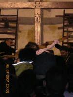 Gesu'tolto dalla Croce dai confratelli.  - Mazzarino (2305 clic)
