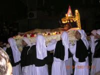 il letto dove verra' portato gesù al sepolcro  - Mazzarino (3182 clic)