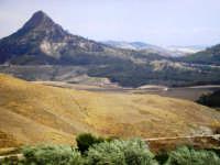 Le campagne attorno Mazzarino con in sfondo il Monte Formaggio MAZZARINO Carlo Ferrara