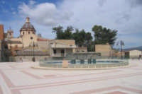 Piazza e sullo sfondo il campanile della Chiesa Madre  - Campofranco (5217 clic)