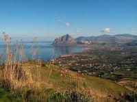Veduta dalla statale per Erice sul Golfo di Bonagia e su Monte Cofano  - Bonagia (3073 clic)