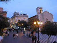 Corso Umberto all'imbrunire  - Taormina (8105 clic)