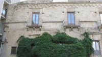 Palazzo Pollicarini, di intatto rimane ben poco..  - Enna (5388 clic)