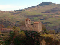 la Chiesetta abbandonata dei Cavalieri di Malta, XI secolo  - Polizzi generosa (6349 clic)