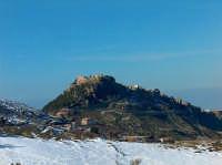 Il paese visto dalla strada per le Petralie  - Geraci siculo (2393 clic)