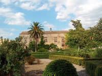Castello di Nelson, scorcio del giardino   - Bronte (2642 clic)