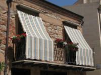 un balcone nel sole  - Castelbuono (3840 clic)