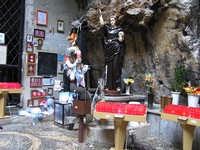 Al Santuario di Santa Rosalia, lumini ed ex voto PALERMO Lucia Durisi