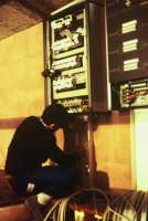 Foto tratta dalla mostra fotografica Il teatro dell'opera dei pupi Arte nell'Arte.Costruzione totale dell'impianto  sceno-elettrico.  - Catania (2289 clic)