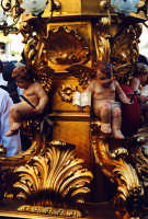 Festa di Sant'Agata. Una candelora in via Etnea  - Catania (2370 clic)