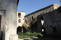 Ex monastero annesso alla chiesa normanna Santa Maria di Mili   - Messina (748 clic)