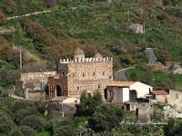 Chiesa dei Santi Pietro e Paolo di Casalvecchio Siculo (2538 clic)