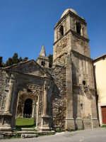 Ucria -ME- Chiesa S. Maria La Scala Posizionata all'esterno del centro abitato, nel 1507 venne incorporata al convento costruito nel lato attiguo alla chiesetta, attualmente in cattivo stato di conservazione.  - Ucria (7129 clic)