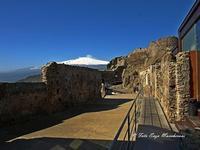 Castello di Calatabiano, L'Etna allo Sfondo (1747 clic)