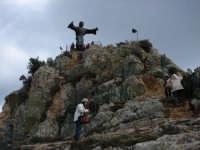 Il Cristo che sovrasta la citta' di cesarò, posto sul cocuccilo della Montagna.  - Cesarò (9808 clic)