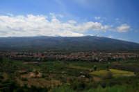 Vista panoramica della Cittadina Linguaglossese con l'Etna che la sovastra.  - Linguaglossa (2562 clic)