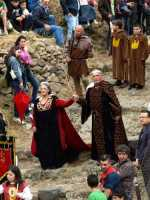 Festa in Onore di San Filippo Siriaco. Alcuni Momenti che precedono la discesa di San Filippo, Rituale Religioso, che si ripete da centinaia di Anni.  - Calatabiano (4009 clic)