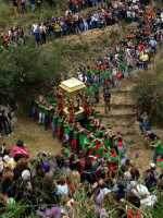 Festa in Onore di San Filippo Siriaco. Alcuni Momenti della discesa di San Filippo, Rituale Religioso, che si ripete da centinaia di Anni.  - Calatabiano (5486 clic)