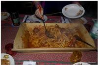 I Maccaruni cu sugu nda Maidda Tipico piatto Siciliano di pasta fresca fatta in casa con sugo di carne, unito dentro un recipiente di legno (Maidda), utilizzata in tempi non tanto remoti per lavorare l'impasto per panificare. In foto una fedele riproduzione di misure ridotta.  - Giarre (2459 clic)