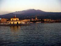 Etna vista dal porto di Riposto (7235 clic)